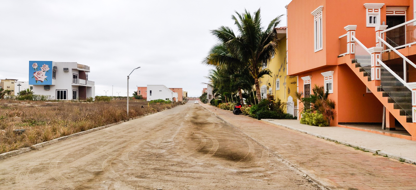 Filthy streets along the Malecon
