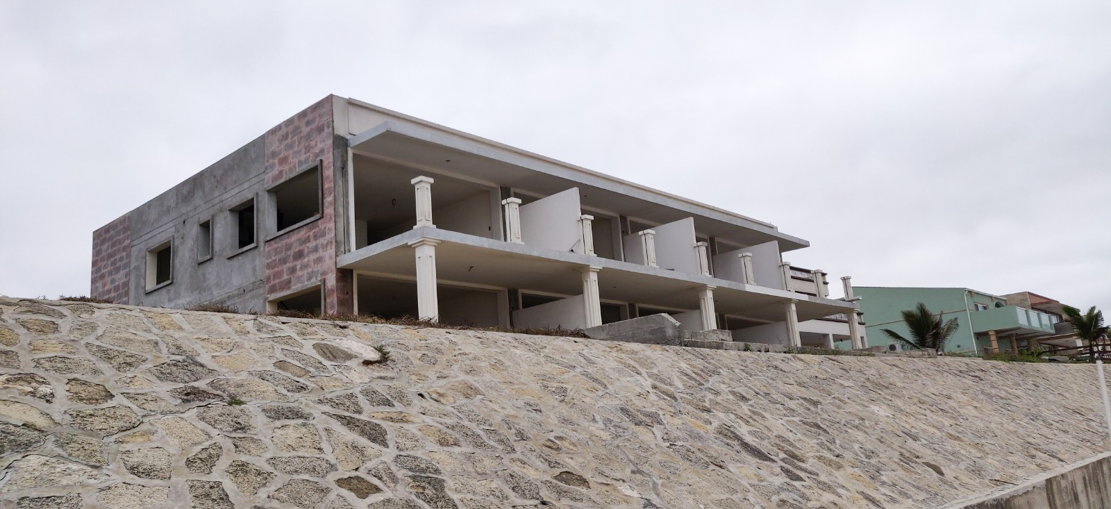 Abandoned condo project