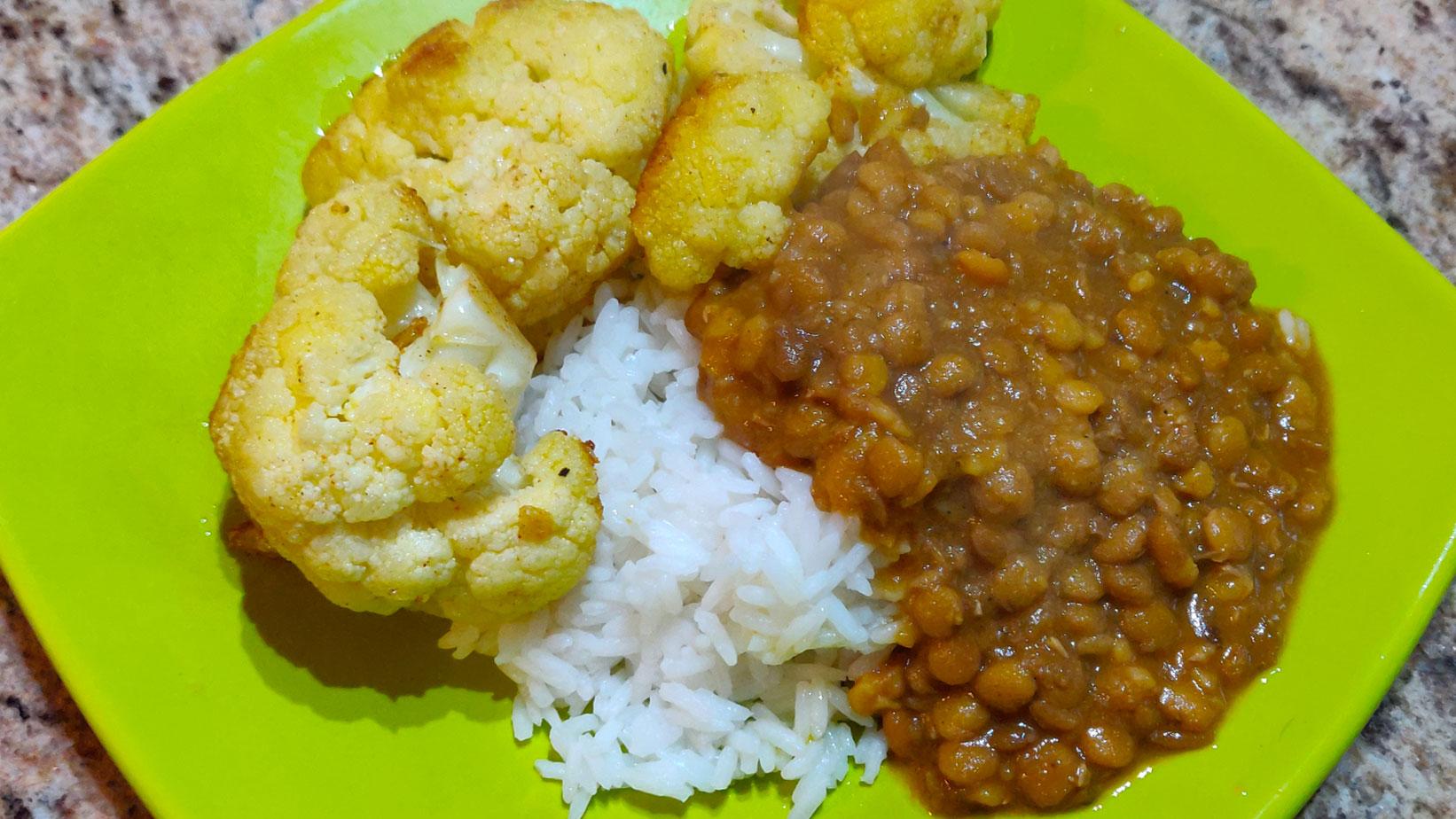 Fried Cauliflower and Menestra de Lenteja